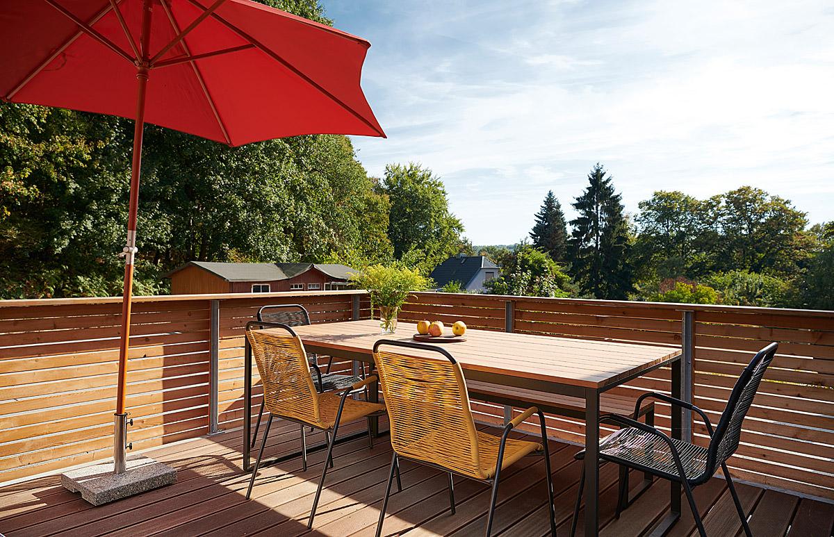 Chillout-Area auf dem Balkon der Villa Hygge im Ostseebad Binz auf Rügen